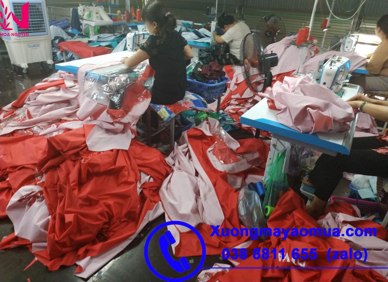 Xưởng may áo mưa in logo theo yêu cầu